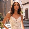 Pronovias Albiorix, wedding dress, fitted wedding dress, lace wedding dress