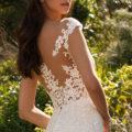 Pronovias Despina, wedding dress, lace wedding dress, fitted wedding dress