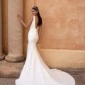 Pronovias Eureka, wedding dress, crepe wedding dress, fitted wedding dress