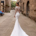 Pronovias Pasiphae, wedding dress, fitted wedding dress, crepe wedding dress