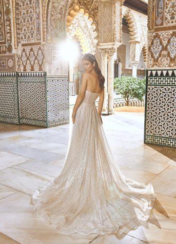 Pronovias Privee Bimmah wedding dress - Available at Rachel Ash Bridal boutique in Atherstone, Warwickshire
