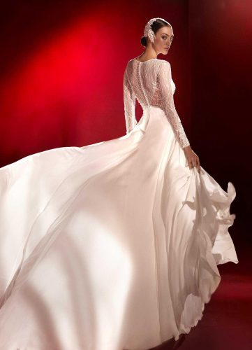 Atelier Pronovias Connolly wedding dress - Available at Rachel Ash Bridal boutique in Atherstone, Warwickshire