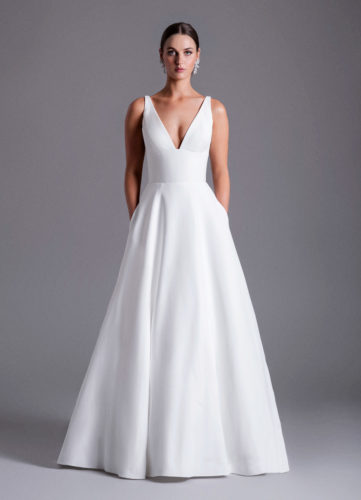 Caroline Castigliano Payton, plain wedding dress, crepe wedding dress, a-line wedding dress, plain a-line wedding dress, wedding dress, wedding dresses, wedding gown, luxury wedding dress, modern wedding dress