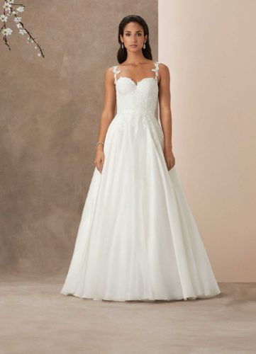 Caroline Castigliano Santa Barbara, wedding dress, a-line wedding dress