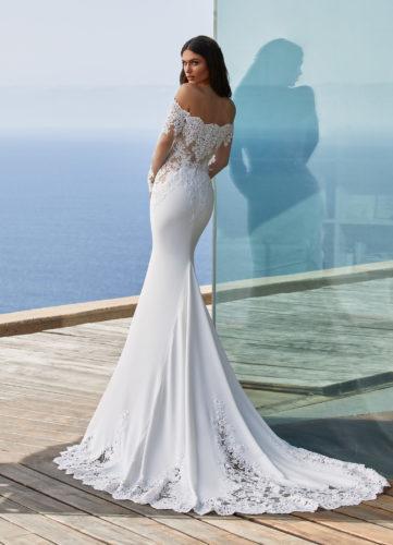 Pronovias Della wedding dress
