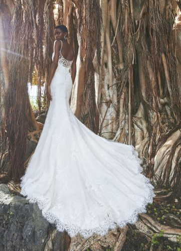 Pronovias Finglas wedding dress - Available at Rachel Ash Bridal boutique in Atherstone, Warwickshire