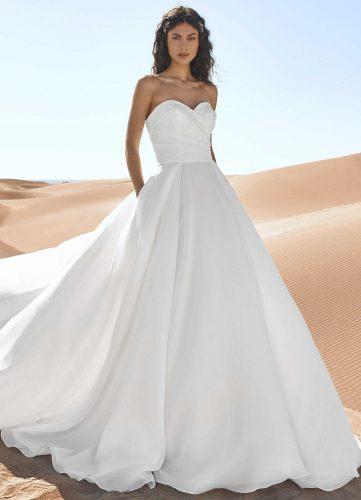 Pronovias Gerainger wedding dress - Available at Rachel Ash Bridal boutique in Atherstone, Warwickshire