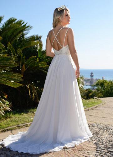 Catherine Parry Leonie, beach wedding dress, aline wedding dress, summer wedding dress, discount wedding dress, sample sale, wedding dress sale, sale wedding dress, cheap designer wedding dress