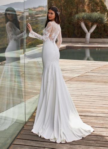 Pronovias Charlie, wedding dress, fitted wedding dress, long sleeve wedding dress, lace and crepe wedding dress, wedding gown, pronovias dress, winter wedding dress, mermaid wedding dress