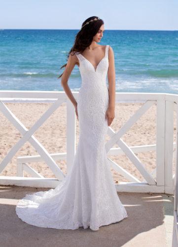 Pronovias Chiron, wedding dress, fitted wedding dress, lace wedding dress, boho wedding dress