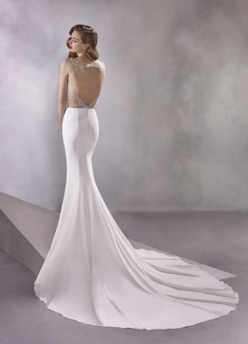 Pronovias Infinity, wedding dress, crepe wedding dress, fitted wedding dress, beaded wedding dress, pronovias wedding dress, sexy wedding dress
