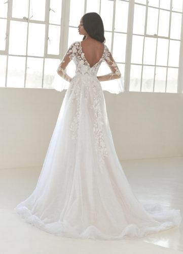Pronovias Liv, plus-size wedding dress, a-line wedding dress, long sleeve wedding dress