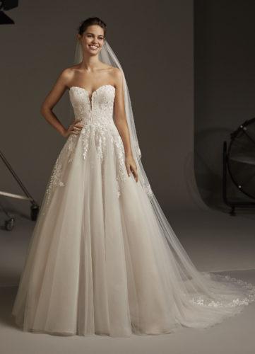 Pronovias Lyra, wedding dress, a-line wedding dress, glitter wedding dress, ball gown wedding dress, princess wedding dress
