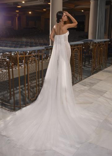 Pronovias Terry, wedding dress, fitted wedding dress, strapless wedding dress