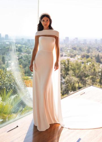Pronovias Williams, wedding dress, fitted crepe wedding dress