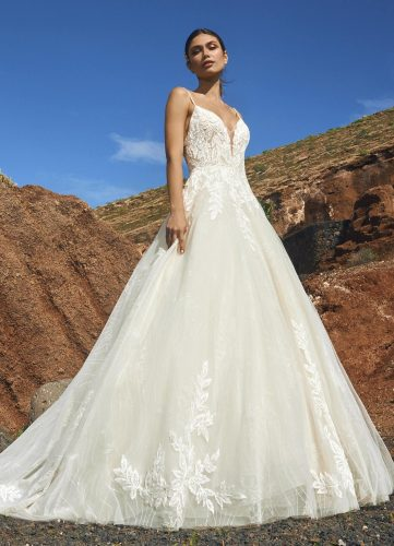 Pronovias Socotra wedding dress - Available at Rachel Ash Bridal boutique in Atherstone, Warwickshire