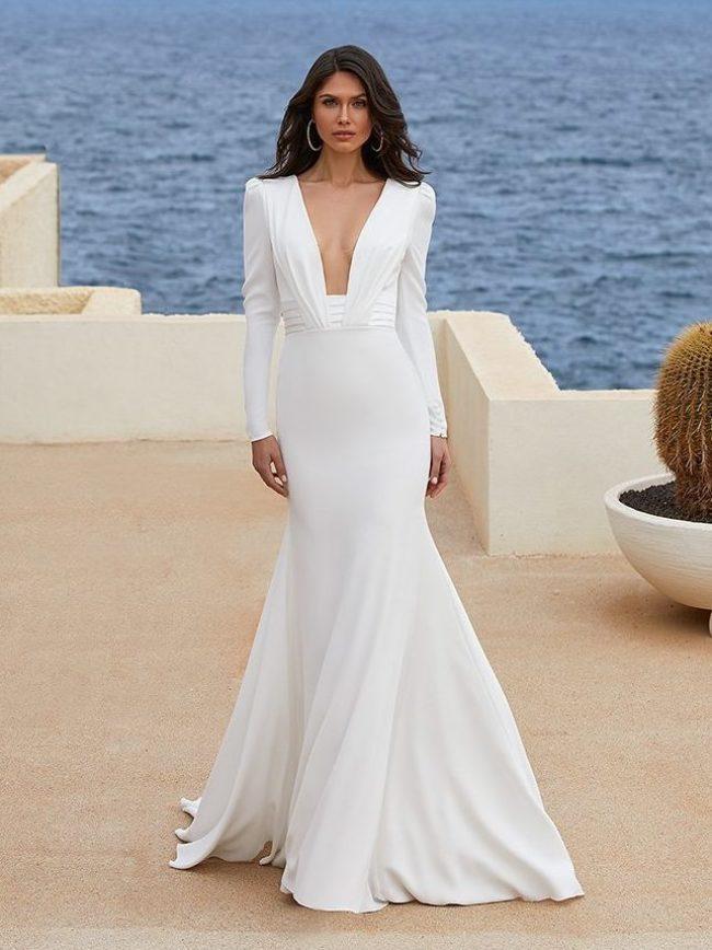 Pronovias Adrienne, Pronovias wedding dress, sexy wedding dress, plain wedding dress, fitted wedding dress