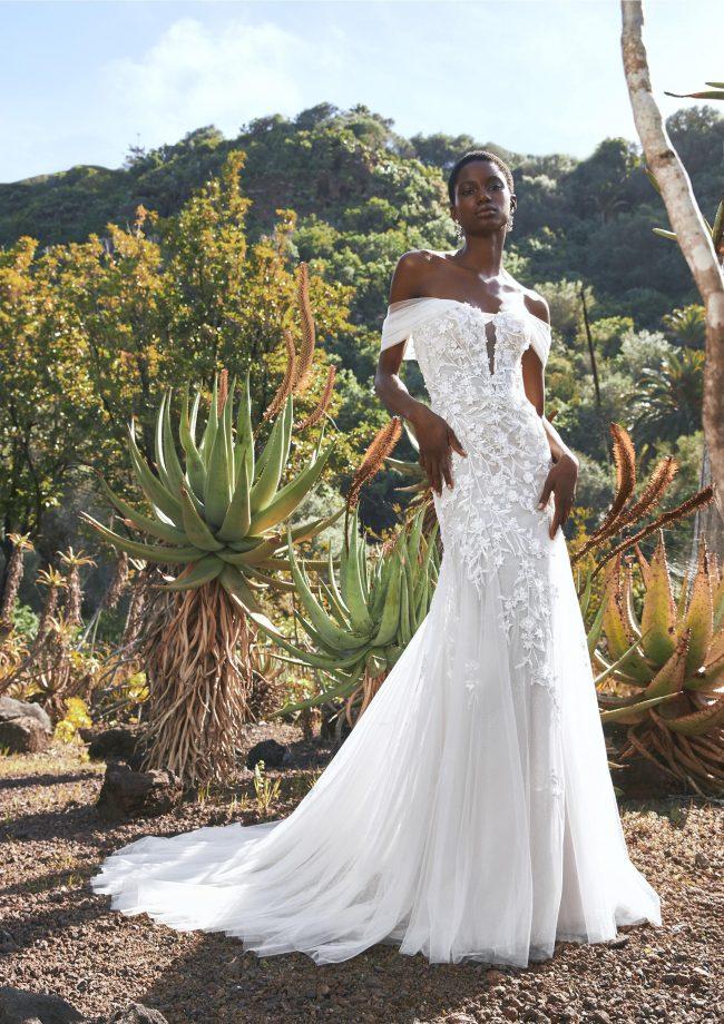 Pronovias Baikal wedding dress - Available at Rachel Ash Bridal boutique in Atherstone, Warwickshire