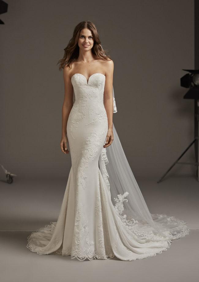 Pronovias Astrid, wedding dress, crepe wedding dress, fitted wedding dress