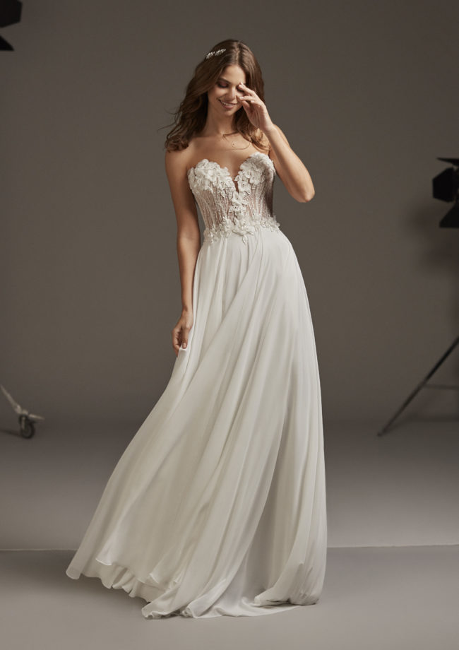 Pronovias Caelum, wedding dress, floaty, boho, beach wedding
