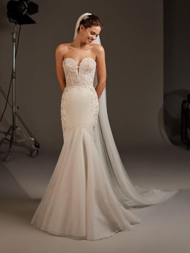 Pronovias Halo, wedding dress, blush fishtail dress