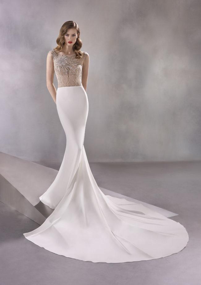 Pronovias Infinity, wedding dress, crepe wedding dress, fitted wedding dress, beaded wedding dress