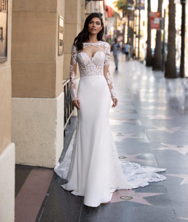 Pronovias Monroe, wedding dress, crepe wedding dress, fitted wedding dress