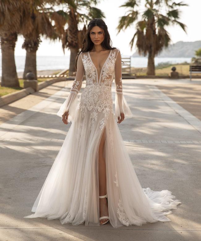 Pronovias Tyson, wedding dress, fitted wedding dress, boho wedding dress, long sleeved wedding dress
